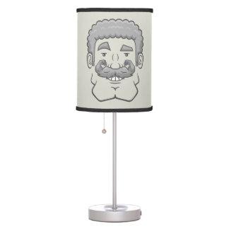 Strongstache (pelo gris rizado) lámpara de mesilla de noche