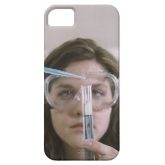 Student Holding Test Tube iPhone SE/5/5s Case