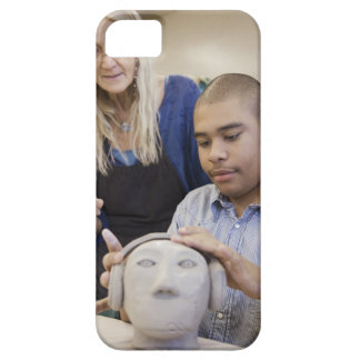 Student sculpting bust in classroom iPhone SE/5/5s case