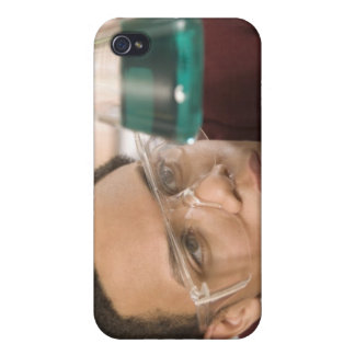 Student watching chemistry experiment iPhone 4/4S case