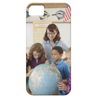 students and teacher with globe iPhone SE/5/5s case