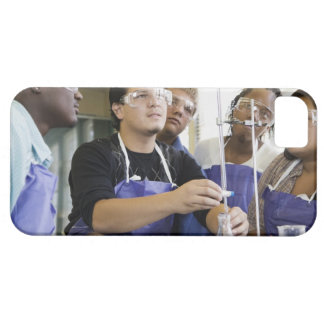Students performing experiment in chemistry lab iPhone SE/5/5s case
