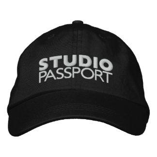 STUDIO PASSPORT LOGO EMBROIDERED BASEBALL CAP