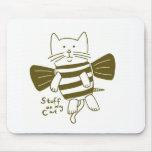 stuff on my cat - bee mousepad