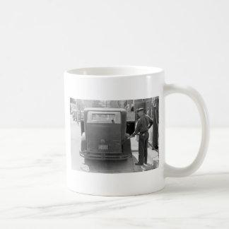 Sturgeon Bay Gas Station, 1940 Coffee Mug