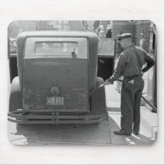 Sturgeon Bay Gas Station, 1940 Mouse Pad