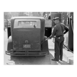 Sturgeon Bay Gas Station, 1940 Postcard