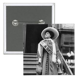 Stylin Suffragette, 1908 Pin