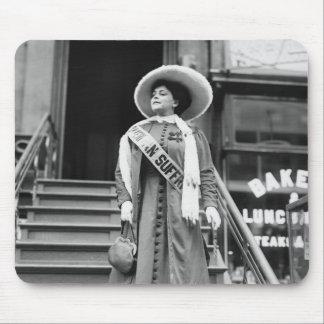 Stylin Suffragette, 1908 Tapetes De Ratones
