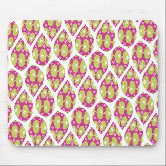 Stylish Green and Pink Teardrop Pattern Design Mousepad