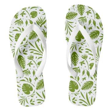 Stylish Green Leaf Pattern Flip Flops
