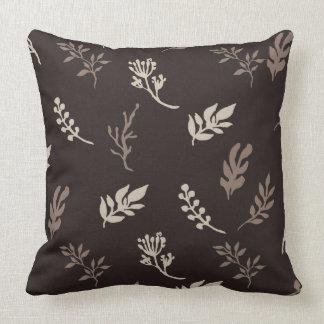 Stylish leaf pattern throw pillow