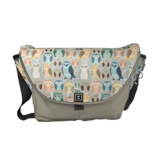Stylish Owl Pattern - complementary colors Courier Bag