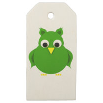 Stylized green owl wooden gift tags