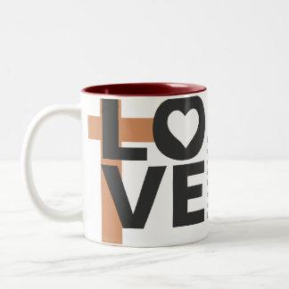 Su amor nunca falla la taza