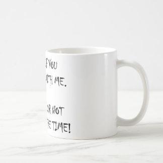 Su autorización a discrepar conmigo taza de café