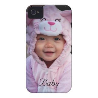 Su bebé en una caja intrépida de la zarzamora iPhone 4 Case-Mate fundas