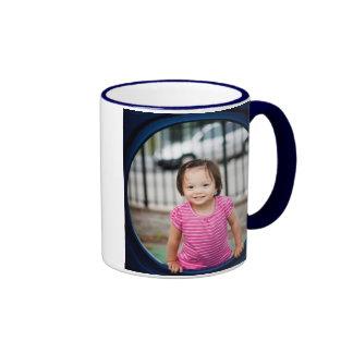 Su bebé en una taza