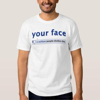 su camiseta de la cara playera