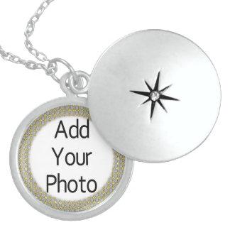 Su collar de los Lockets de la plata esterlina de