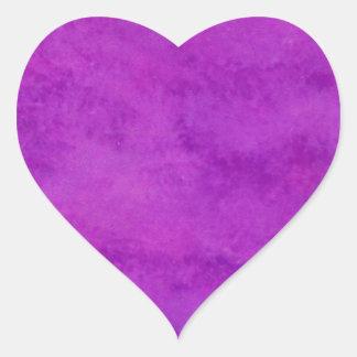 Su del texto fondo púrpura del lavado aquí pegatina en forma de corazón