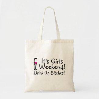Su fin de semana de los chicas bebido encima del v bolsa tela barata