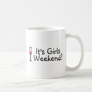 Su fin de semana de los chicas taza