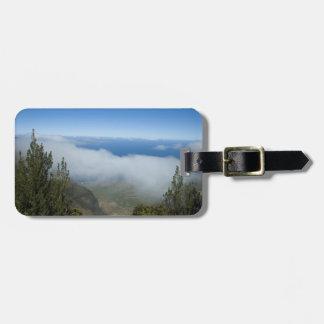Su foto o barranco de Waimea sobre las nubes Etiqueta De Maleta