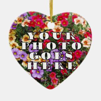 Su foto va plantilla aquí modificada para adorno navideño de cerámica en forma de corazón