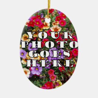Su foto va plantilla aquí modificada para adorno navideño ovalado de cerámica