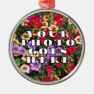 Su foto va plantilla aquí modificada para adorno navideño redondo de metal