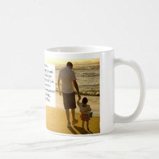 Su hija el el día de padre tazas de café