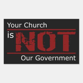 Su iglesia no es nuestros pegatinas del gobierno pegatina rectangular