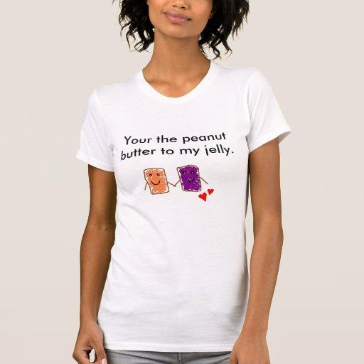 Su la mantequilla de cacahuete a la camiseta de mi