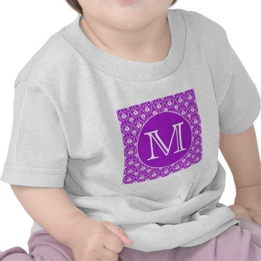 Su letra. Modelo púrpura y blanco del damasco Camiseta