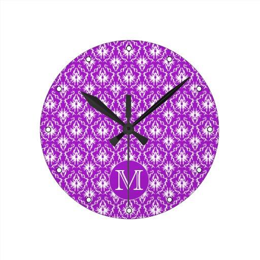 Su letra. Modelo púrpura y blanco del damasco Relojes De Pared