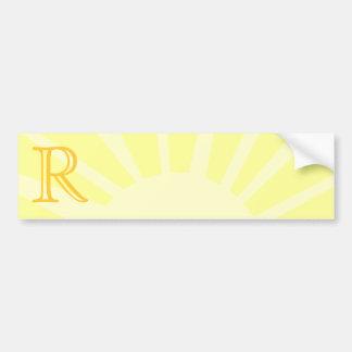 Su letra. Monograma amarillo de encargo del rayo d Pegatina Para Auto