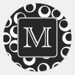 Su letra. Monograma blanco y negro. Modelo de la Etiqueta Redonda