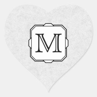 Su letra. Monograma de encargo. Gris, negro y Pegatina En Forma De Corazón