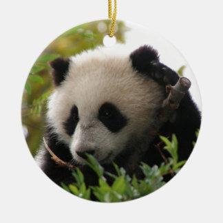 Su Lin, cachorro de oso de panda gigante en el Adorno Redondo De Cerámica