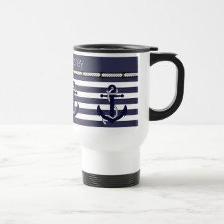 Su moda náutica conocida del ancla raya el modelo taza térmica