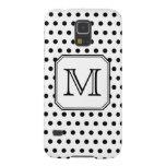 Su monograma de la letra. Puntos de polca blancos Carcasas De Galaxy S5