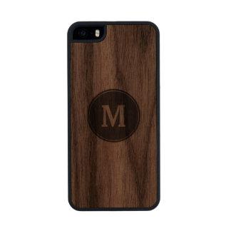 Su monograma funda de nogal carved® para iPhone 5 slim