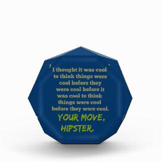 Su movimiento, Hipster.