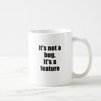 Su no un insecto su una característica taza de café