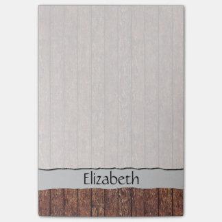 Su nombre - pared del granero hecha de tablones de post-it notas