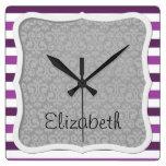 Su nombre - rayas, líneas - blanco gris púrpura reloj cuadrado