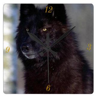 Su reloj del cuadrado del tiempo del lobo