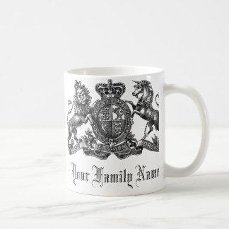 Su taza de café adaptable del escudo del apellido