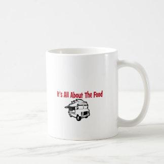 su todo alrededor el camión de la comida de la com tazas de café